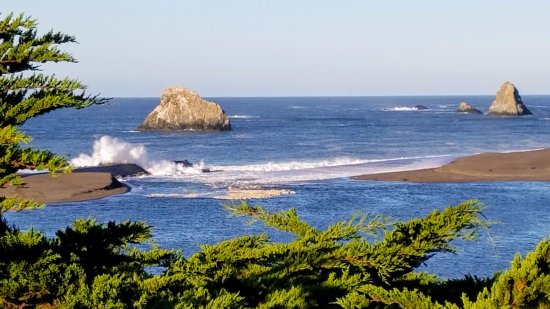 Jenner, CA: Crashing Surf