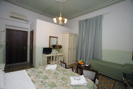 Hotel Desiree Florence Reviews