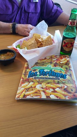Port Isabel, TX: Delicious chips and cold beer!