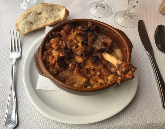 La Rotonde: the cassoulette, a great traditional dish from the area