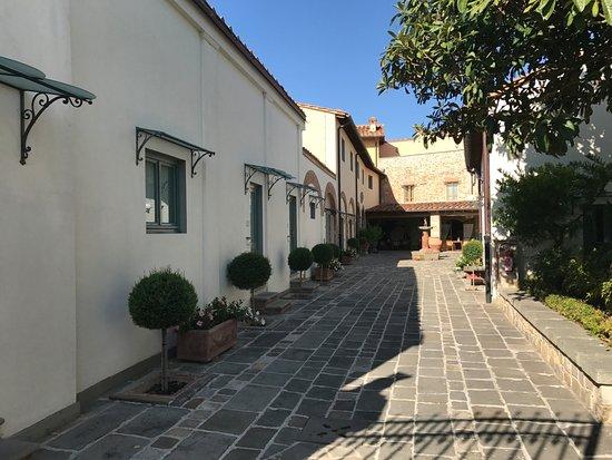 Hotel Mulino di Firenze: Inner courtyard