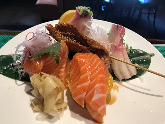 Rancho Mirage, CA: Try sushi sashimi at Joyce's Sushi