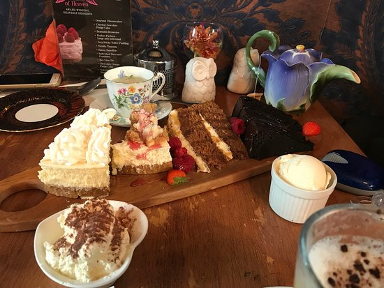 Donaghadee, UK: A Slice of Heaven Dessert Cafe