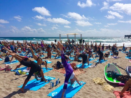 ‪‪Deerfield Beach‬, فلوريدا: Roxy SUP Yoga Run Event‬