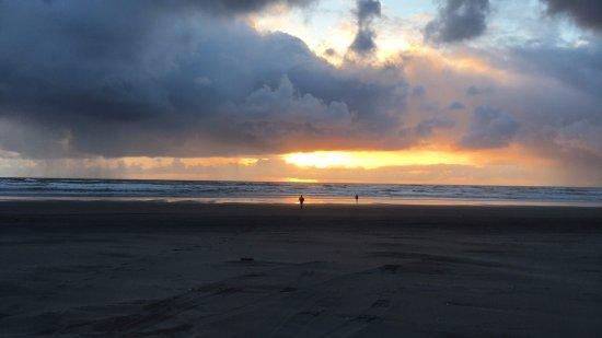 Long Beach, WA: 10 minute walk to sunset