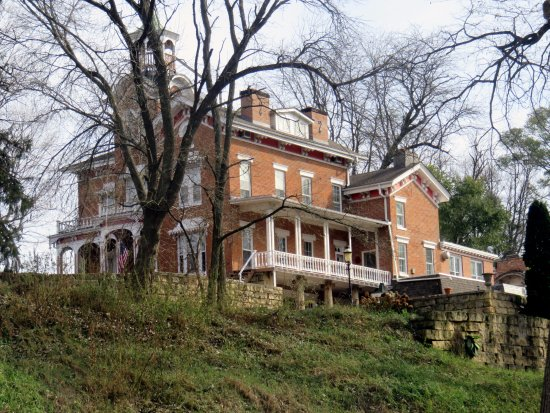 Galena, IL: a view up the hill towards the Grant Home