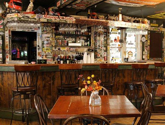 Elkhart Lake, WI: Stop-Inn Tavern