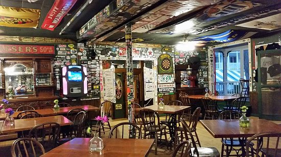 Elkhart Lake, WI: The Stop-Inn Tavern