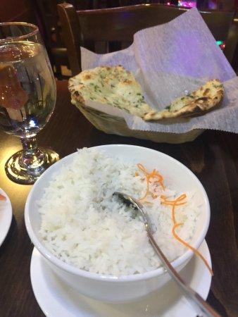 Μάντσεστερ, Κονέκτικατ: Great food, took the chicken samosa, white rice cheese with spinach sauce and chicken with curry