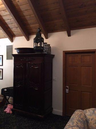Murphys, CA: Eucalyptus room