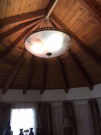 Murphys, CA: Eucalyptus room - huge room