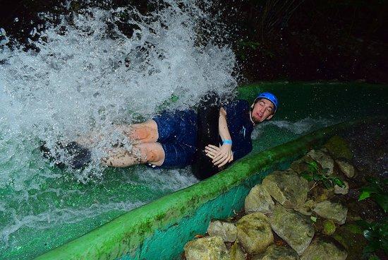 Playa Hermosa, Costa Rica: Water slide