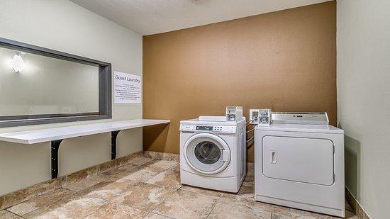 Holiday Inn Express Southwest Lubbock - Wolfforth Laundry Facility