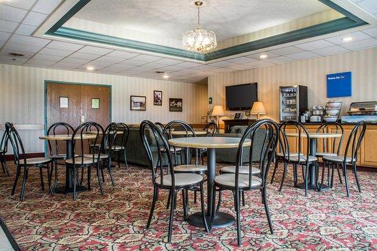 Mansfield, Pensilvania: Lobby
