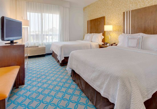 Millbrae, CA: Double/Double Guest Room - Sleeping Area