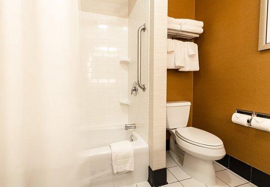 เอ็กซีเตอร์, นิวแฮมป์เชียร์: Guest Bathroom