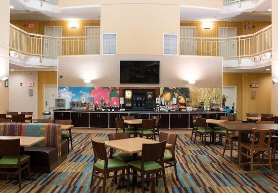Hayward, Kaliforniya: Breakfast - Seating Area