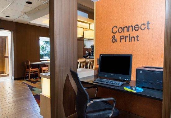 Fairfield Inn Pensacola I-10: The Business Center