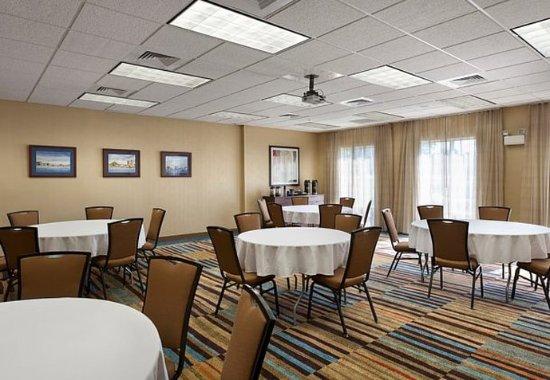 Elizabeth City, NC: McPherson Meeting Room – Banquet Setup