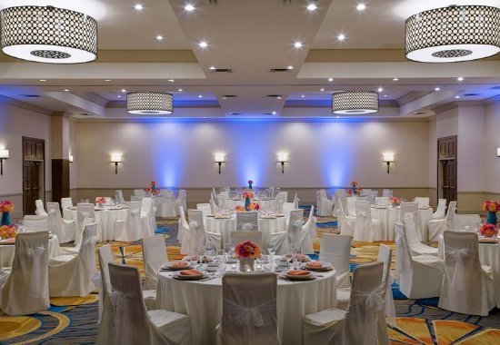 Redmond, WA: Grand Ballroom - Wedding Banquet