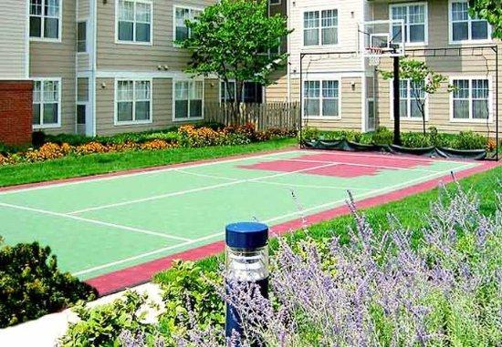 Residence Inn Columbus Easton: Sport Court®