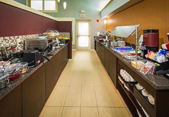 Residence Inn Columbus Easton: Breakfast Buffet
