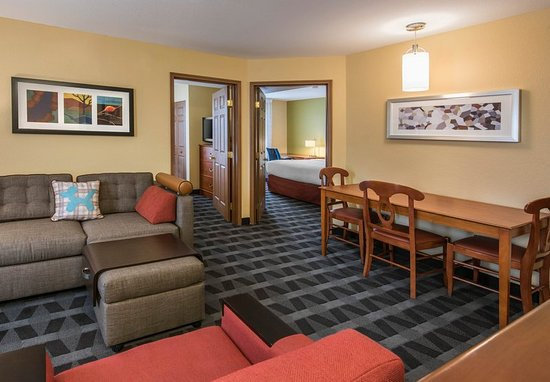 Executive One Bedroom Suite Living Room Obr Zek Za Zen Towneplace Suites Denver Tech
