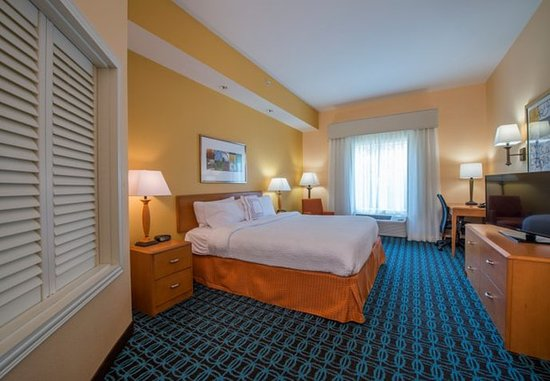 Hinesville, GA: King Spa Guest Room
