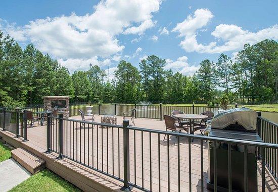 Hinesville, GA: Outdoor Patio