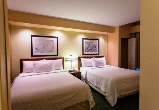 Devens, MA: Queen/Queen Suite - Sleeping Area