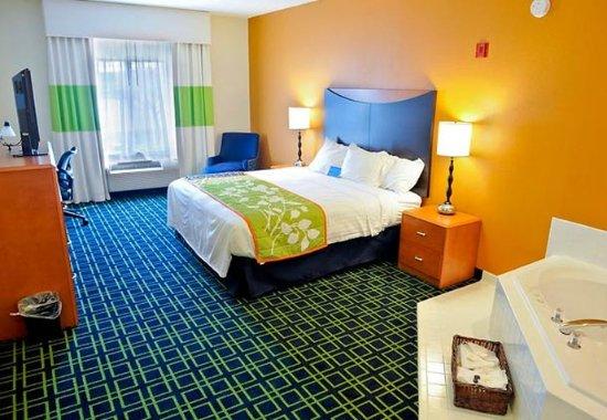 Shepherdsville, Kentucky: Whirlpool King Room