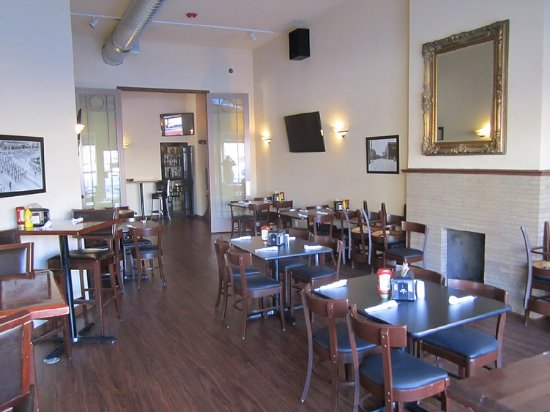 Dewey's Restaurant & Sports Bar: Main Floor Banquet Room
