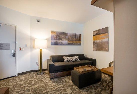 Rosenberg, TX: Queen/Queen Suite - Living Area