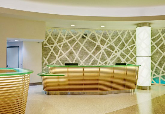 Imperial Beach, CA: Front Desk