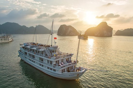 Halong Bay Overnight Cruise with...