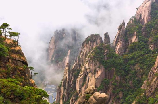 4-Day Private Trip to South of Hangzhou with Accommodations