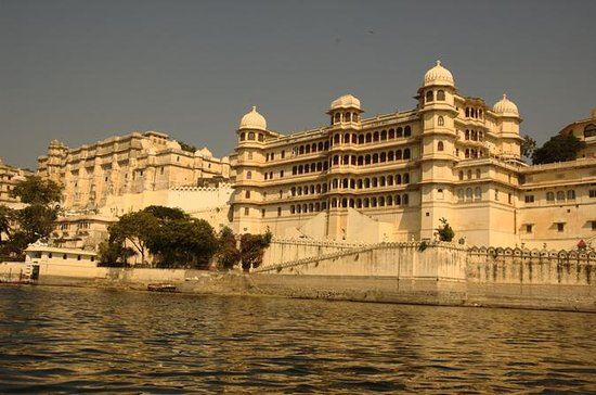 Full Day Excursion :Udaipur...