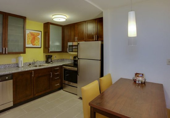 Chicopee, MA: Two-Bedroom Suite Kitchen