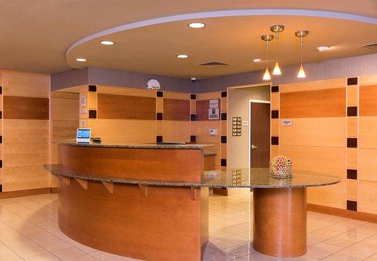 Midland, MI: Front Desk Lobby