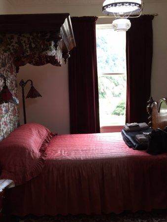 Westland National Park (Te Wahipounamu), New Zealand: Beautiful crafted beds from another era