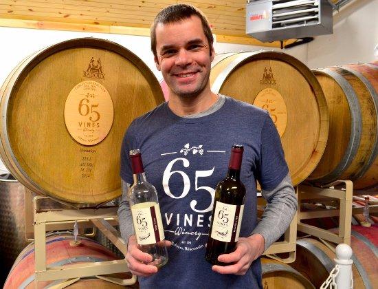 River Falls, WI: Happy winemaker
