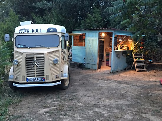 Salleles-d'Aude, France: The truck is the kitchen and the shed is the office/servery