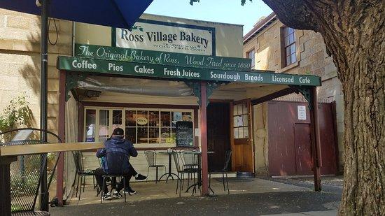 Ross, Australien: Outside of the bakery