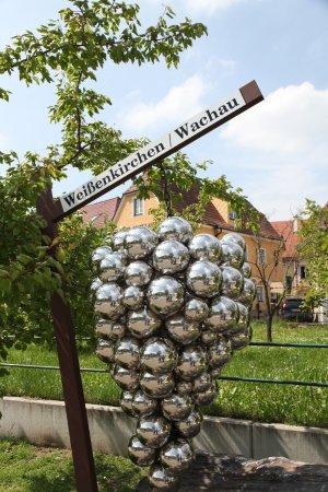 Weissenkirchen, Austria: Символ вина