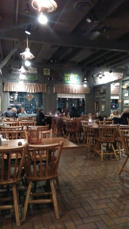 Cracker barrel hamilton restaurant reviews phone for Is cracker barrel open on christmas day