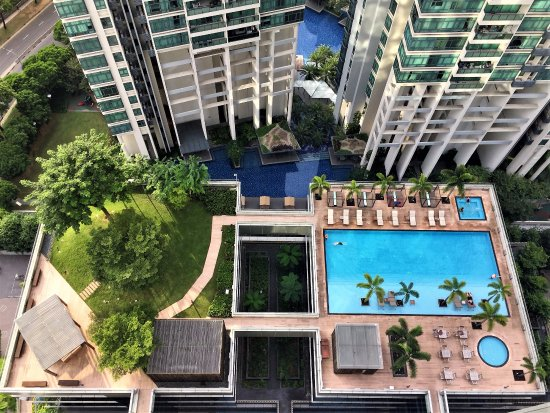 Oasia Hotel Novena, Singapore by Far East Hospitality: Ground level pool and garden