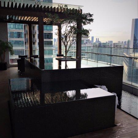 Oasia Hotel Novena, Singapore by Far East Hospitality: Level 22 Zen area