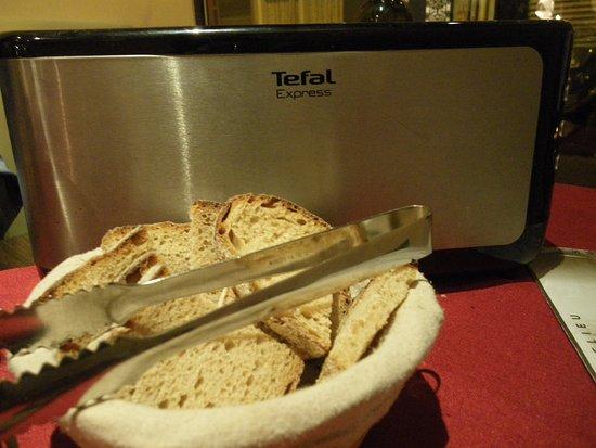 Domaine de Lintillac : これでパンを焼きます