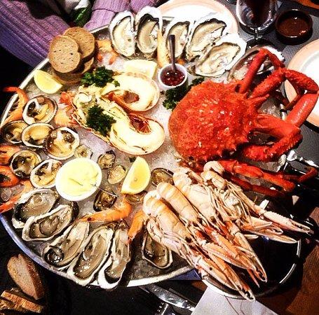 Restaurant du Port: Свежайшие морепродукты: краб, лангуст, лангустины, устрицы, аманды, креветки