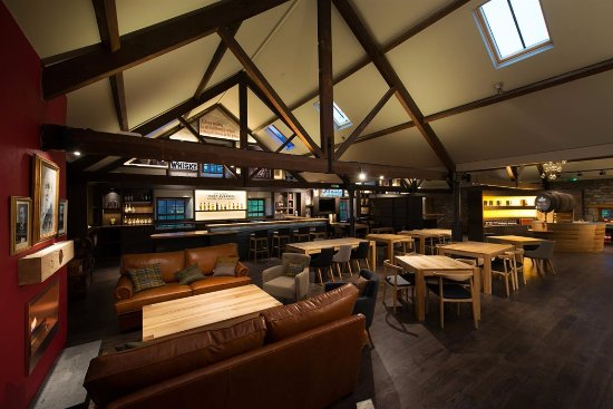 The Whisky Lounge at Dewar's Aberfeldy Distillery